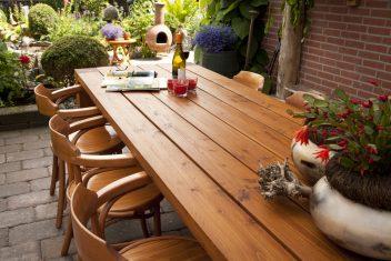 maatwerk meubelen buitenmeubel houten tafel