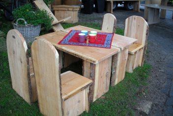 kindermeubels van robuust hout