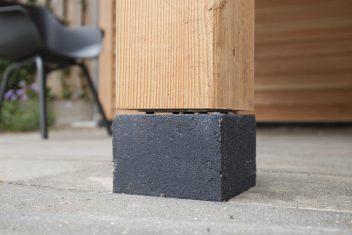 betonpoer met staander